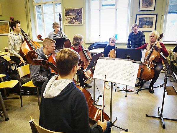 Stemmoja hiottiin Sibelius-lukiossa